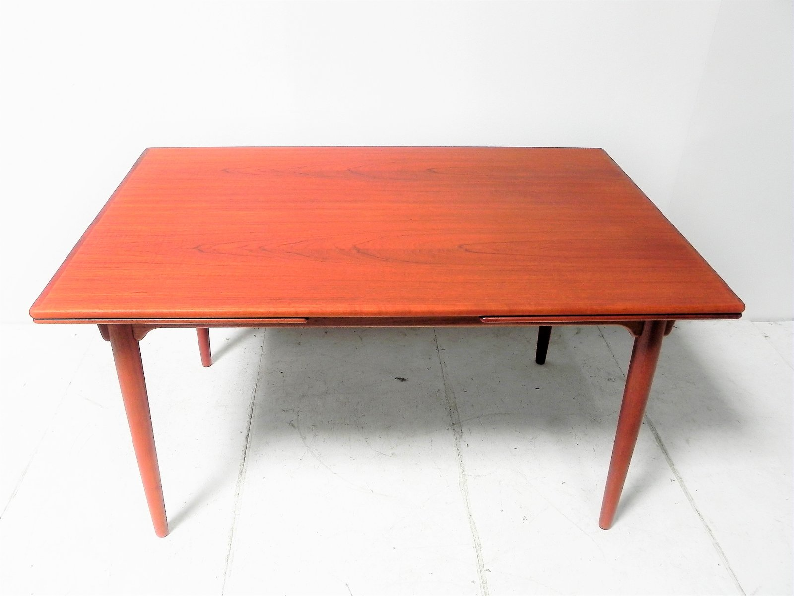 Table de salle manger vintage en teck d 39 omann jun en for Table de salle a manger teck