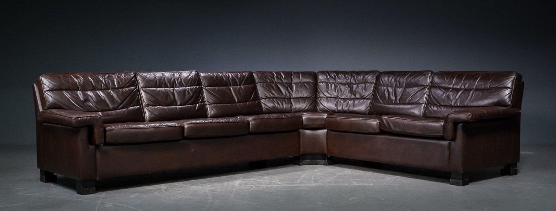 d nisches vintage ecksofa aus braunem leder bei pamono kaufen. Black Bedroom Furniture Sets. Home Design Ideas