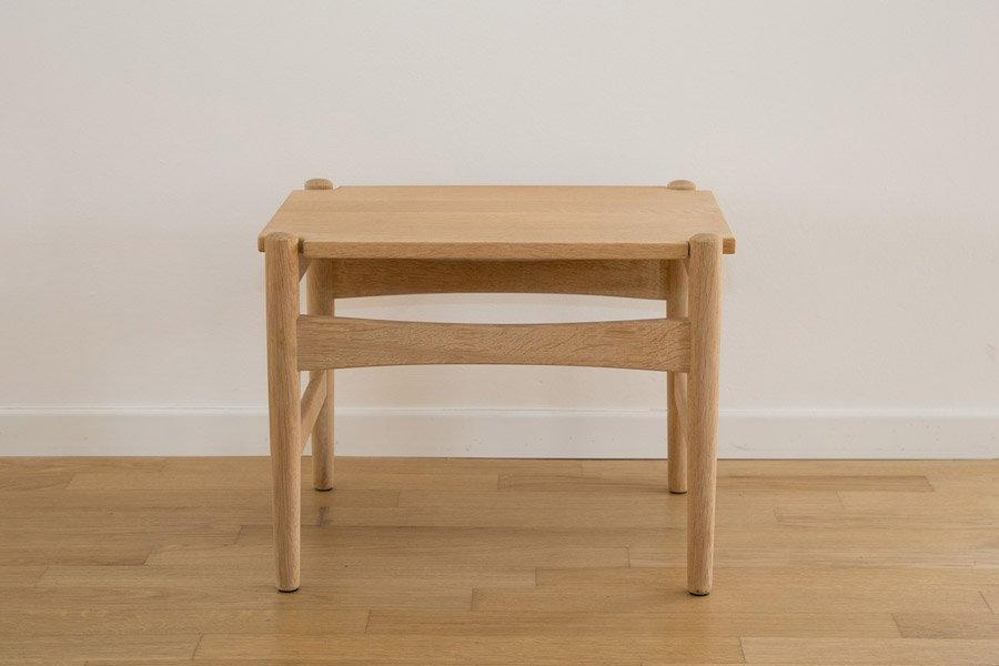 Small MidCentury Solid Oak Side Tables by Hans J Wegner for