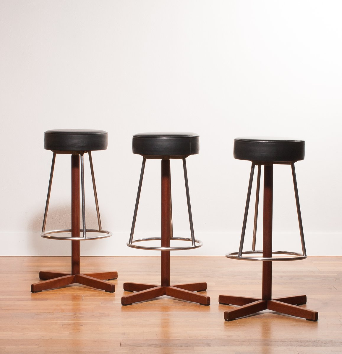 steel teak bar stools 1960s set of 3 for sale at pamono. Black Bedroom Furniture Sets. Home Design Ideas