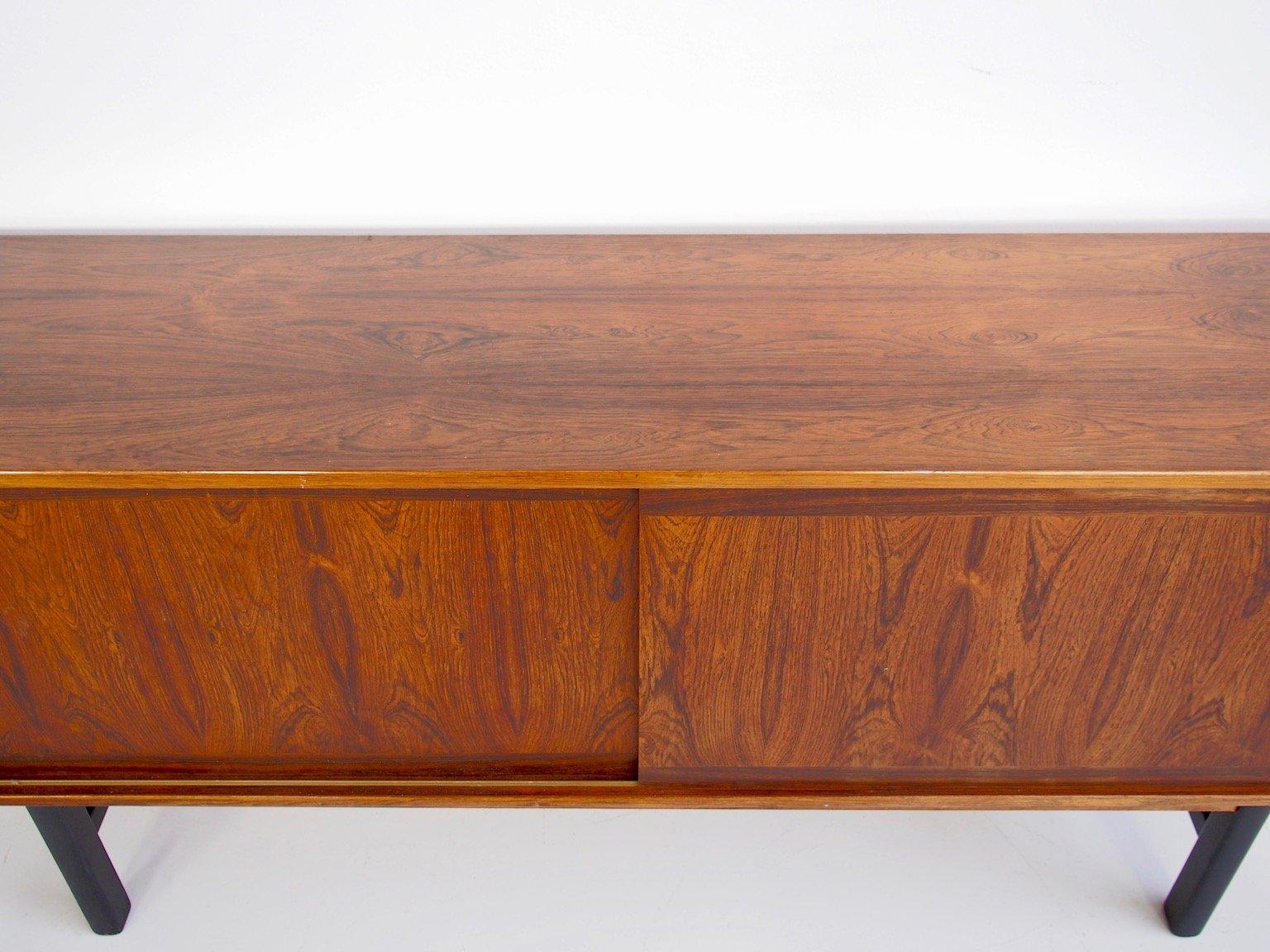 palisander sideboard mit schiebet ren einlegeb den und schubladen 1960er bei pamono kaufen. Black Bedroom Furniture Sets. Home Design Ideas