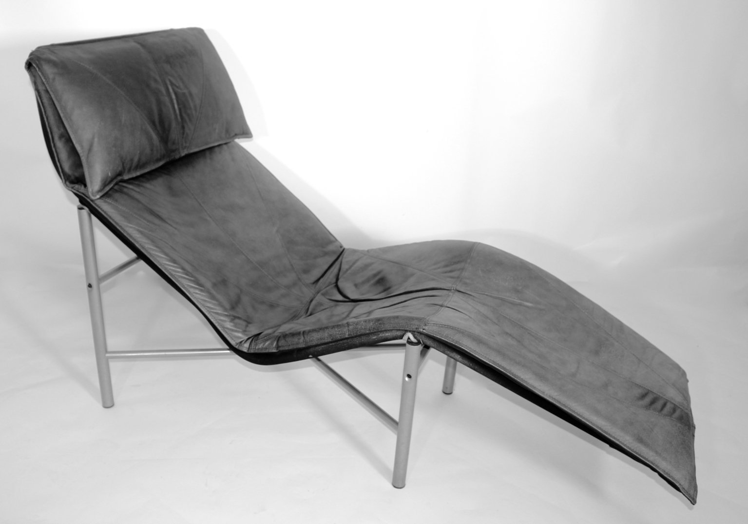 Leather chaise longue by tord bjorklund 1970s for sale at for Buy chaise longue