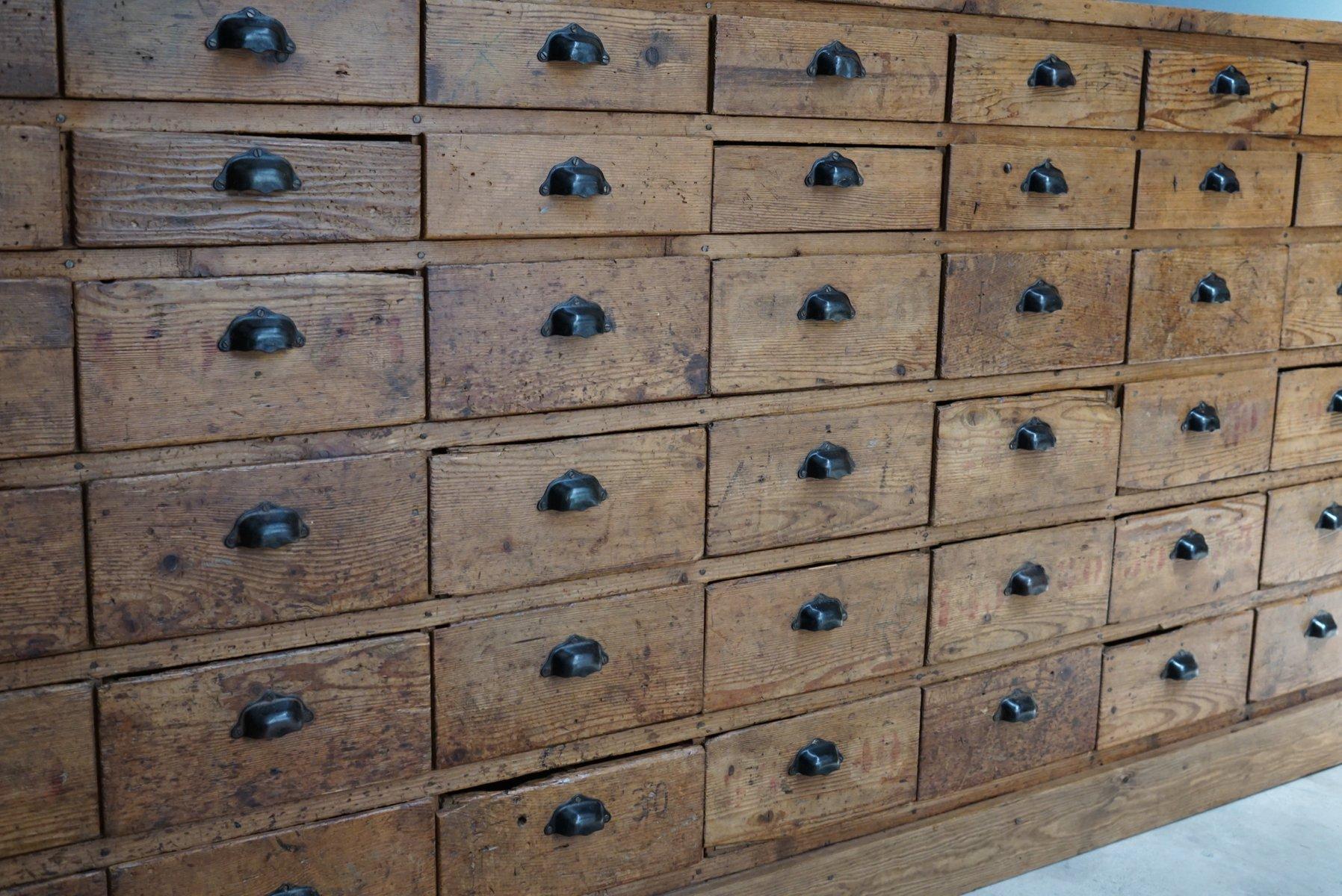 grande armoire pharmacie en pin france 1950s en vente. Black Bedroom Furniture Sets. Home Design Ideas