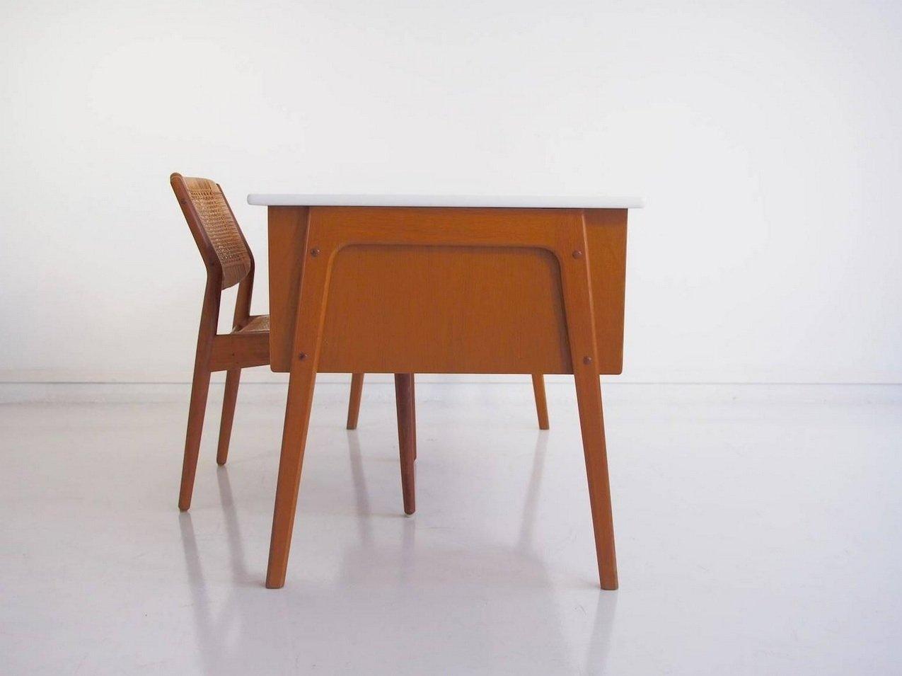 vintage eichenholz schreibtisch mit wei er tischplatte bei pamono kaufen. Black Bedroom Furniture Sets. Home Design Ideas