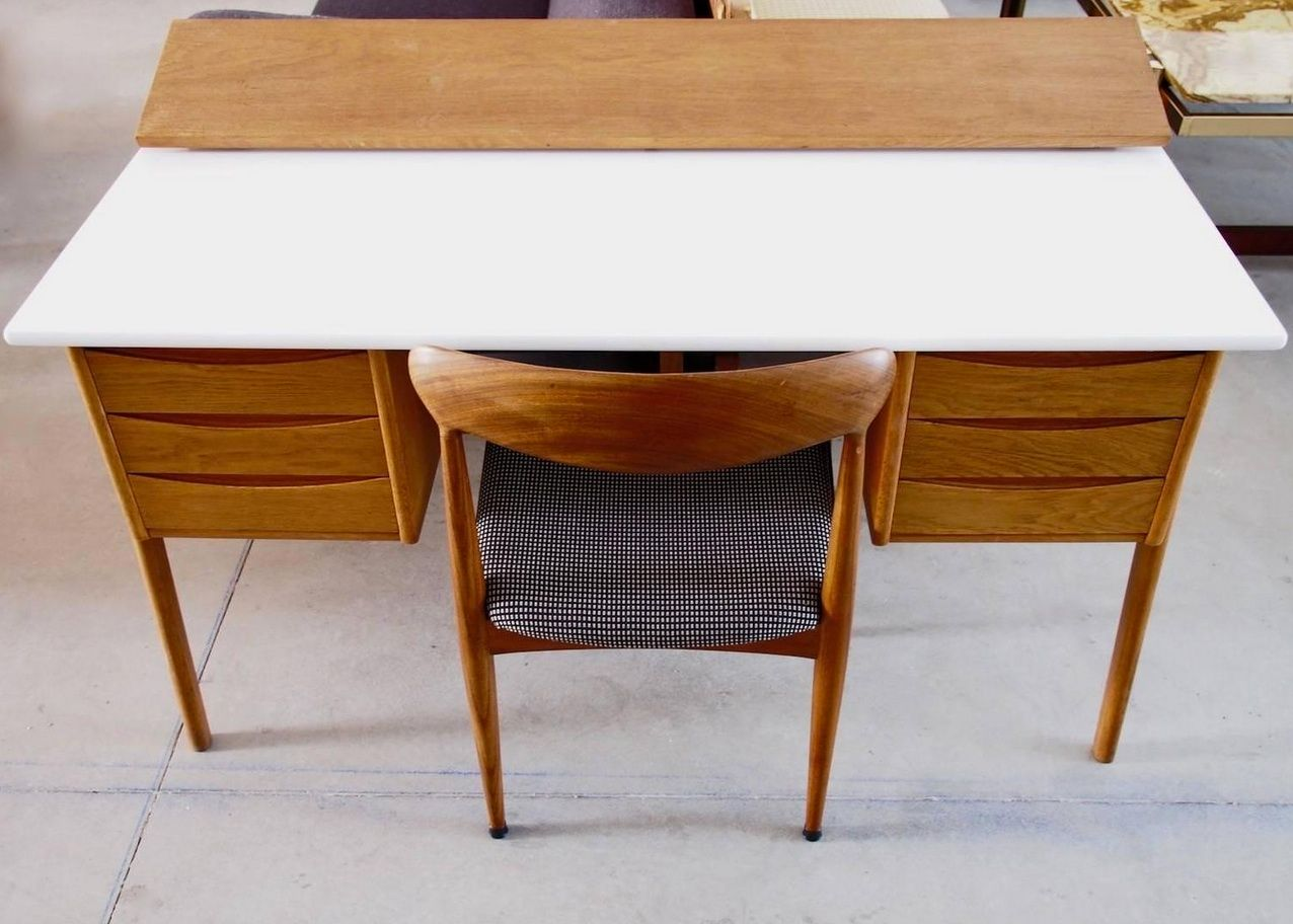 vintage oak writing desk with white top for sale at pamono. Black Bedroom Furniture Sets. Home Design Ideas