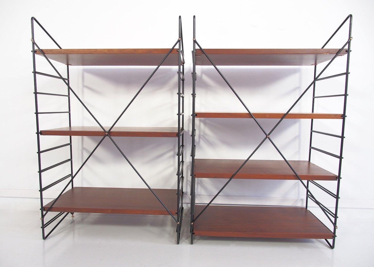 kleine italienische regale aus teak schwarz lackiertem. Black Bedroom Furniture Sets. Home Design Ideas