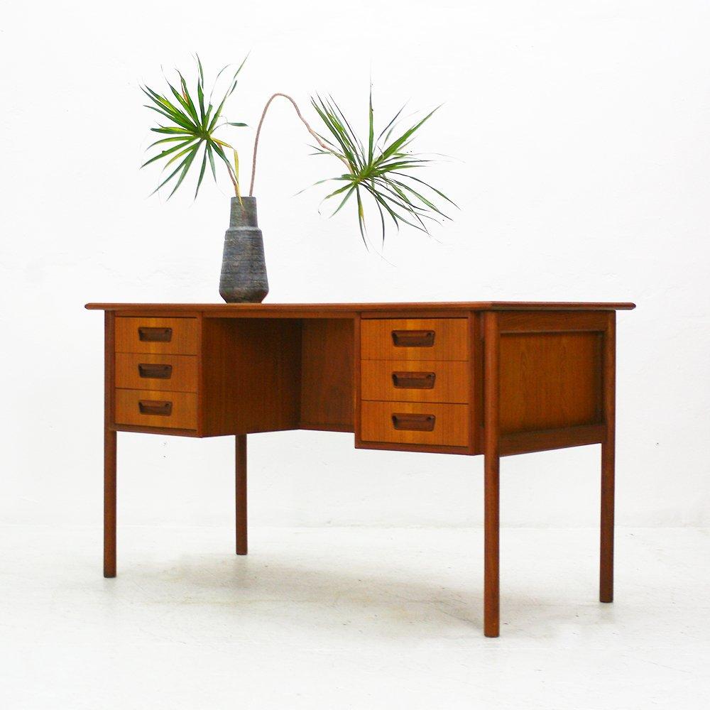 teak schreibtisch mit schubladen von gunnar nielsen. Black Bedroom Furniture Sets. Home Design Ideas