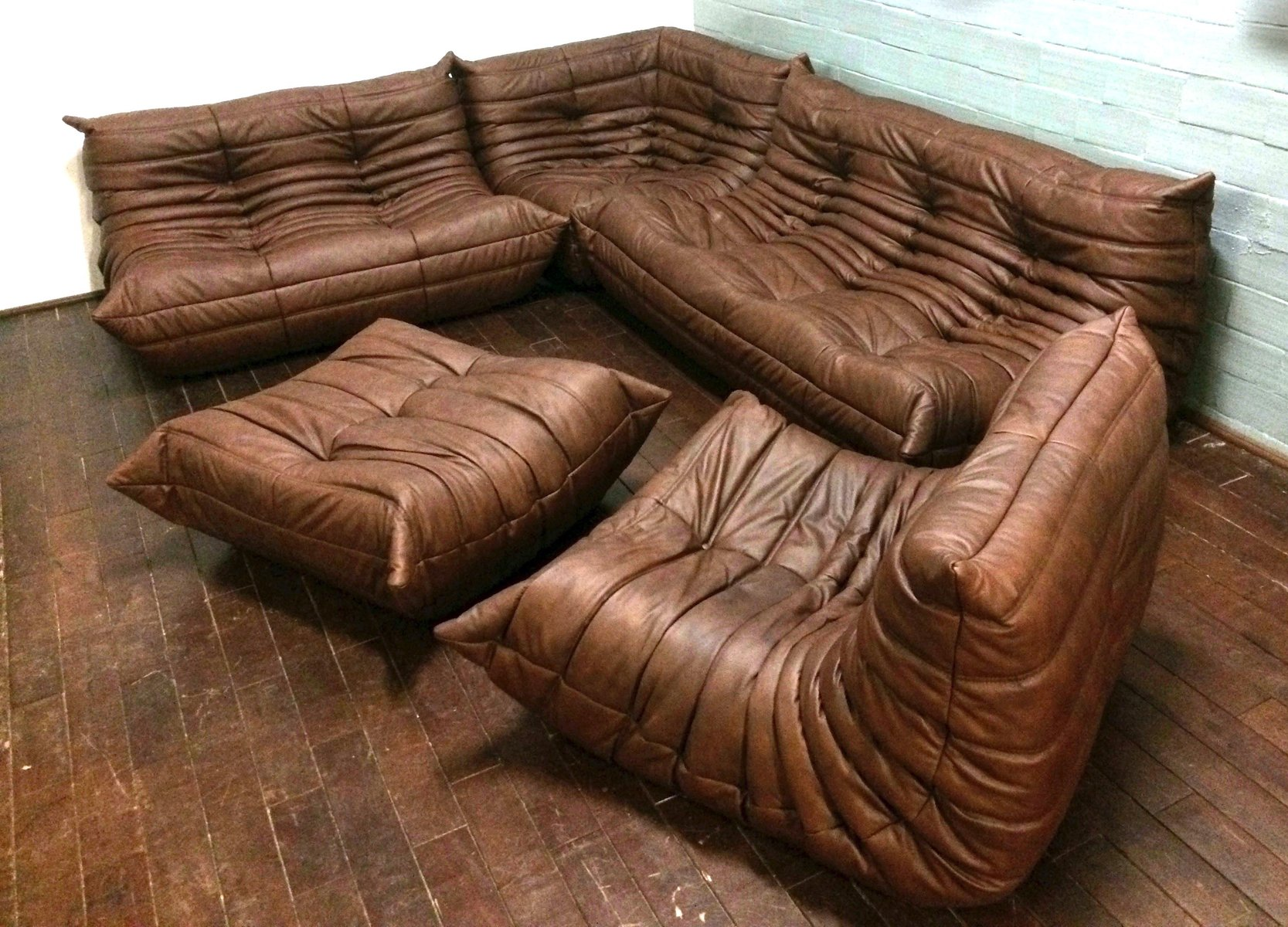 Vintage togo leather living room set by michel ducaroy for for Housse togo ligne roset