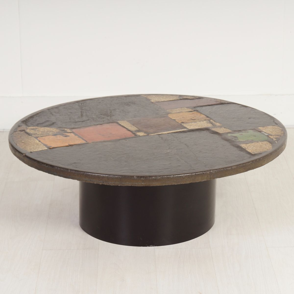 round multi colored coffee table from paul kingma 1970s for sale at pamono. Black Bedroom Furniture Sets. Home Design Ideas