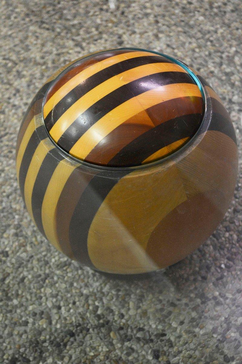 Italienischer Couchtisch aus Holz & Kristall mit Kugel