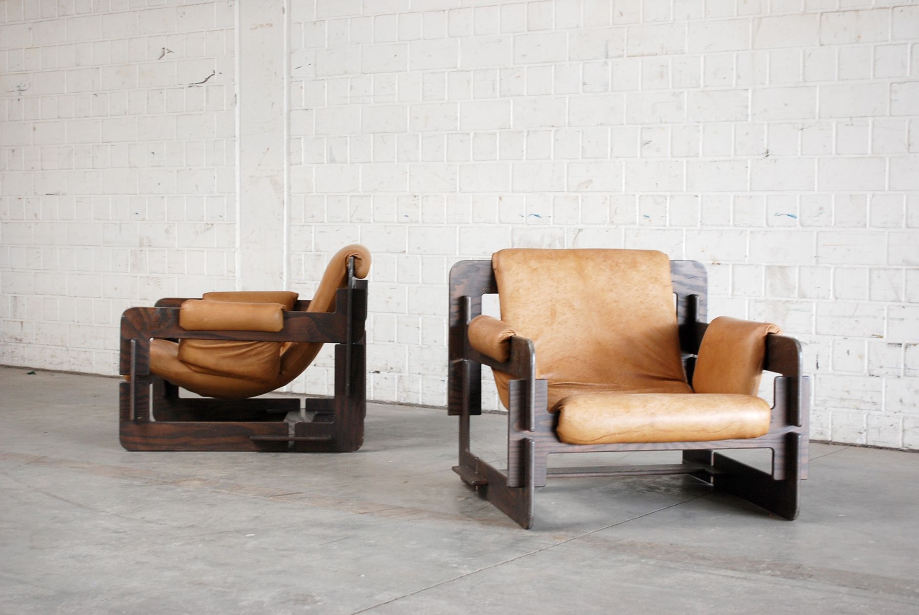 vintage cognac rover lounge armchairs by arne jacobsen for. Black Bedroom Furniture Sets. Home Design Ideas