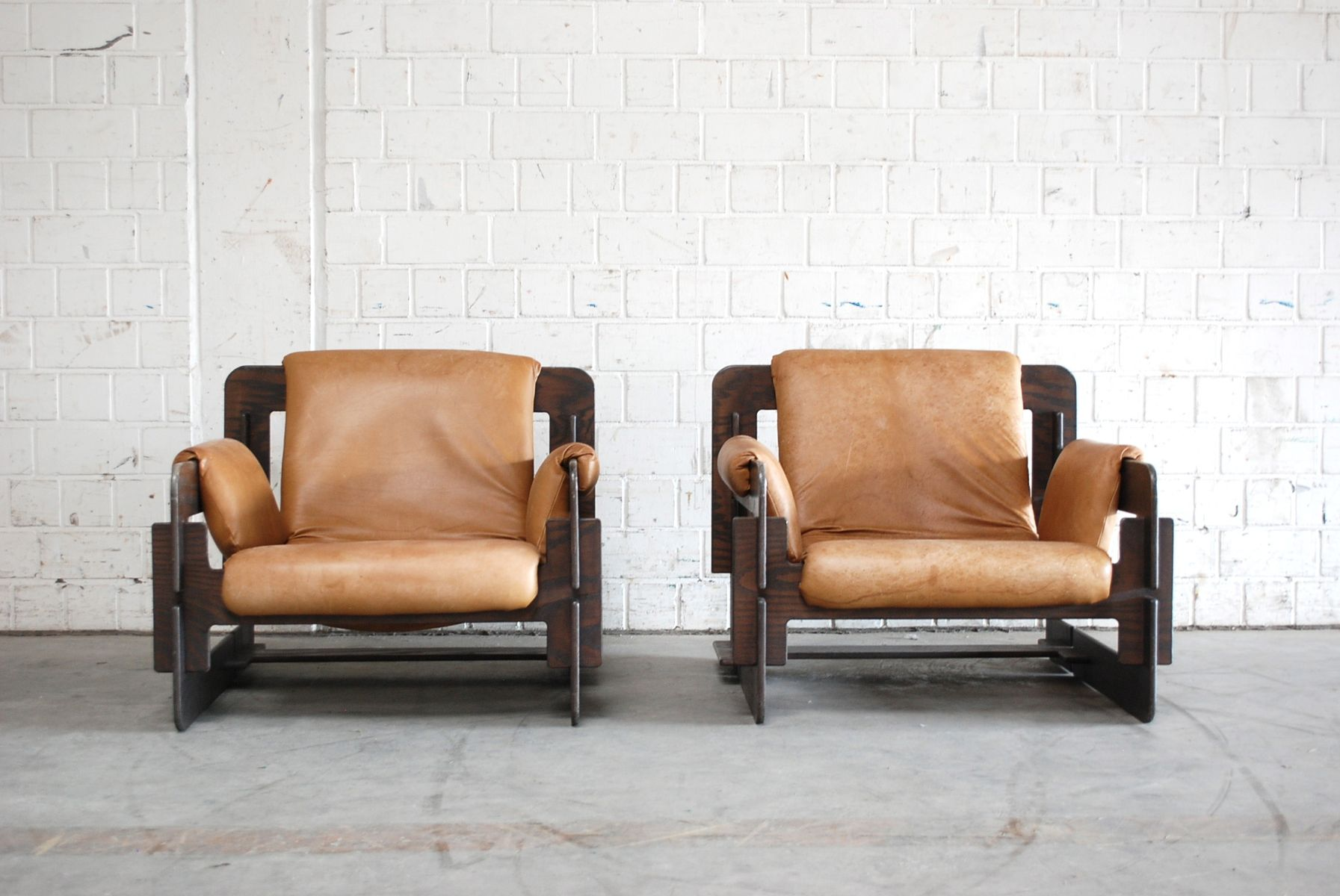 Vintage cognac rover lounge armchairs by arne jacobsen for for Cognac design