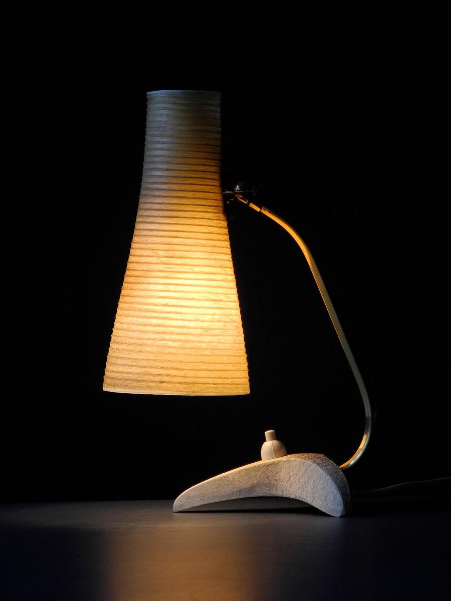 lampe de bureau moderne mid century avec abat jour en verre 1950s en vente sur pamono. Black Bedroom Furniture Sets. Home Design Ideas