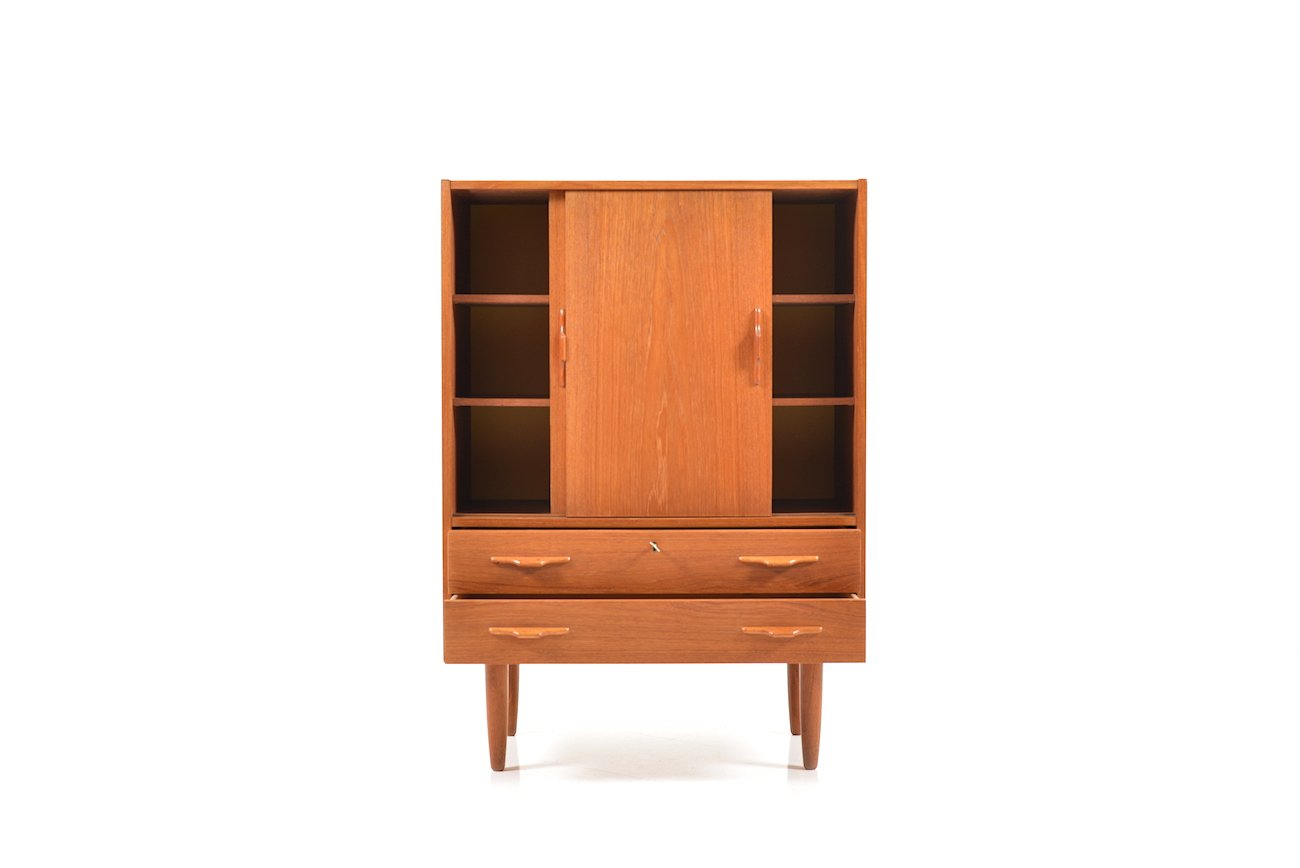 d nischer teak schrank mit schiebet ren 1950er bei pamono. Black Bedroom Furniture Sets. Home Design Ideas