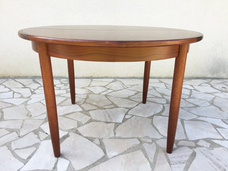Vintage Round Rosewood Dining Table For Sale At Pamono