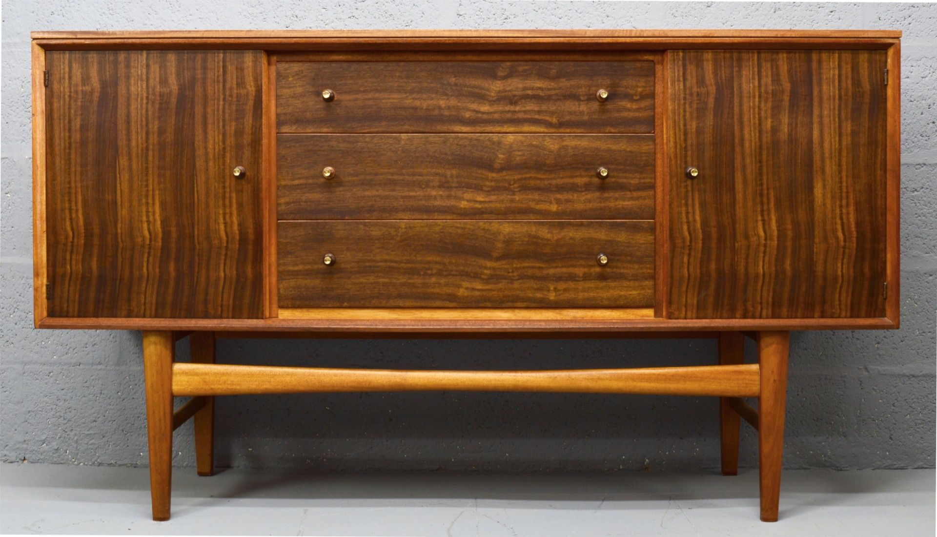 Mid century indian laurel and teak sideboard from gordon for Sideboard indien