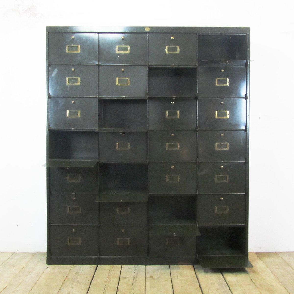 schrank mit 28 f chern von c lechat bei pamono kaufen. Black Bedroom Furniture Sets. Home Design Ideas