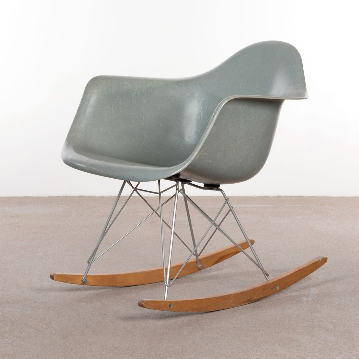 Rar rocking chair by charles ray eames for herman miller 1960s for sal - Rocking chair charles eames ...