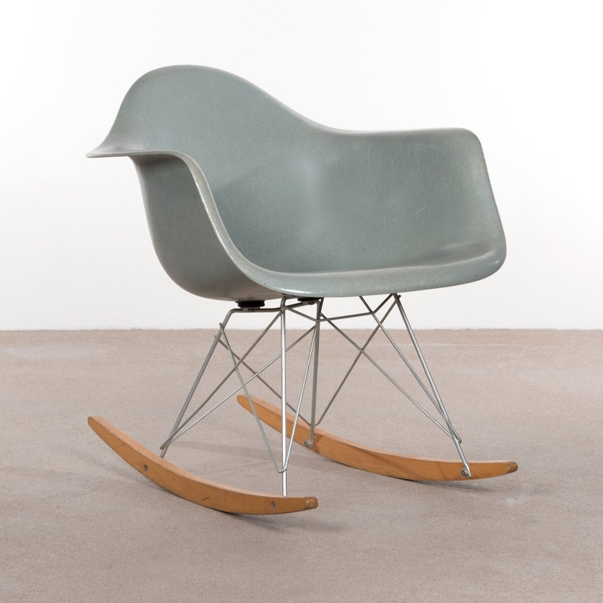 rar rocking chair by charles ray eames for herman miller 1960s for sale at pamono. Black Bedroom Furniture Sets. Home Design Ideas