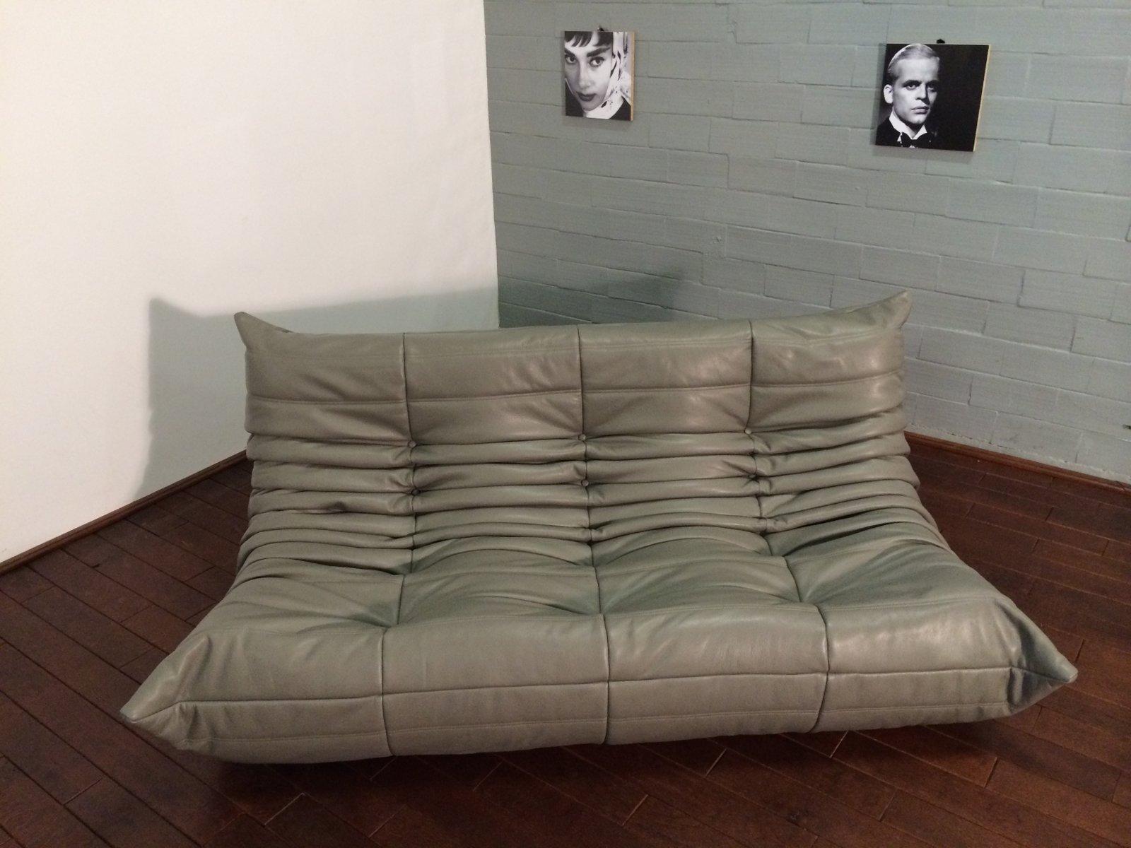 dunkelgraues 3 sitzer togo ledersofa von michel ducaroy f r ligne roset bei pamono kaufen. Black Bedroom Furniture Sets. Home Design Ideas