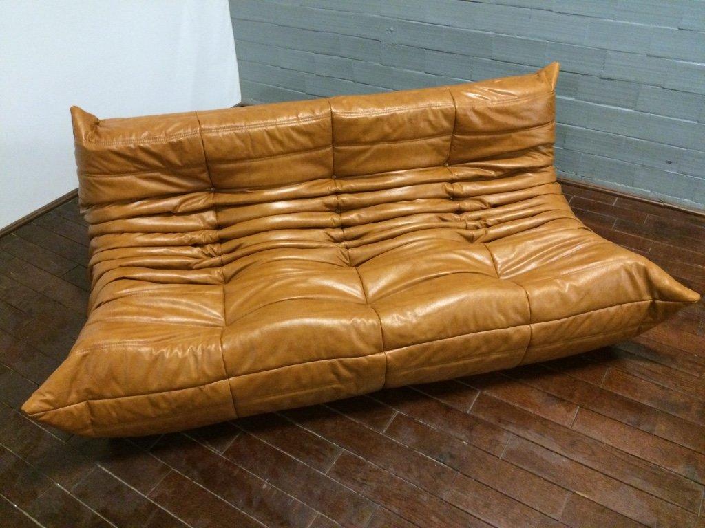 cognacfarbenes 3 sitzer togo ledersofa von michel ducaroy f r ligne roset bei pamono kaufen. Black Bedroom Furniture Sets. Home Design Ideas