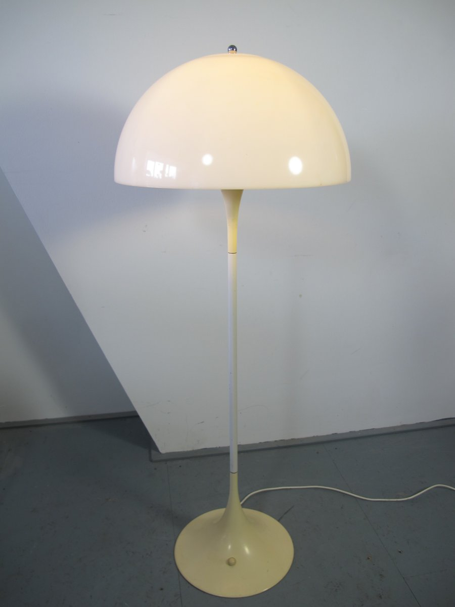 d nische panthella stehlampe von verner panton f r louis. Black Bedroom Furniture Sets. Home Design Ideas