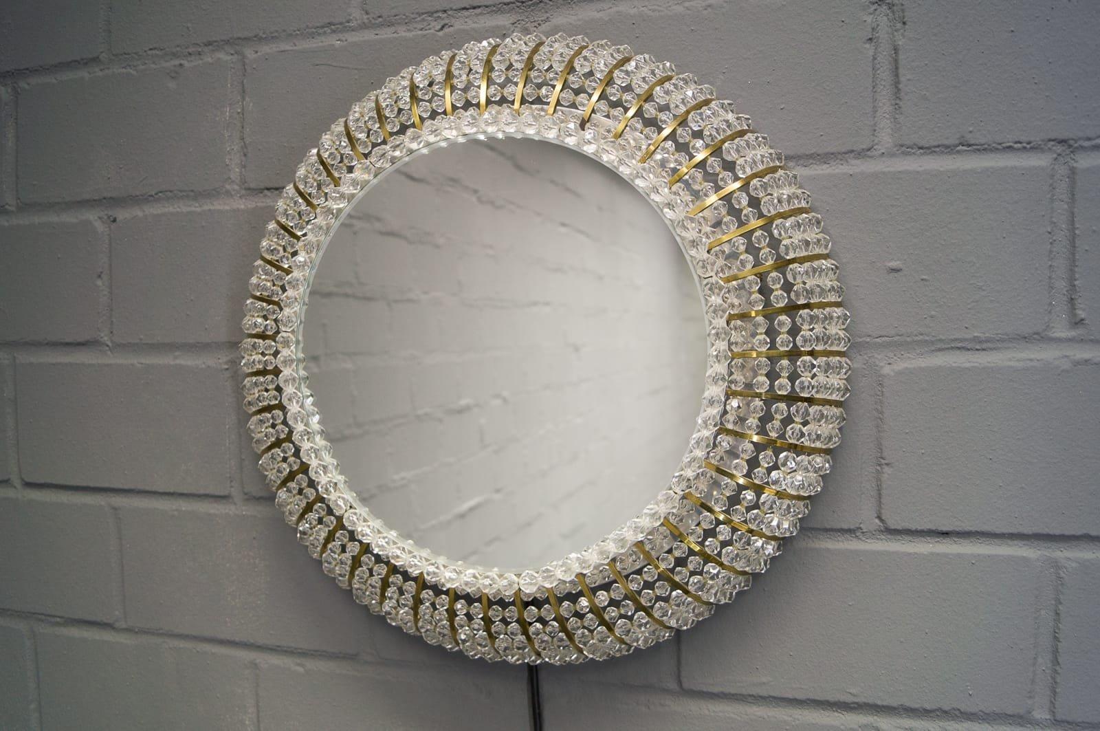 miroir mural vintage lumineux en cristal suisse en vente sur pamono. Black Bedroom Furniture Sets. Home Design Ideas