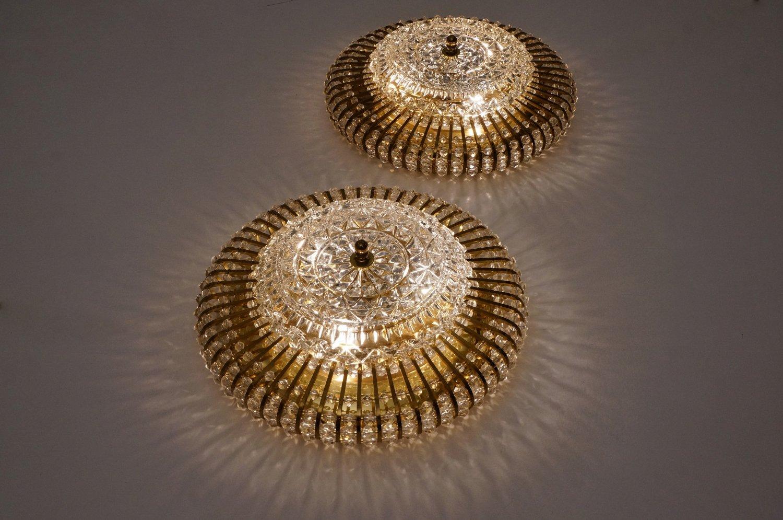 mid century wand oder deckenlampen aus messing glas und lucite perlen von hillebrand 1960er. Black Bedroom Furniture Sets. Home Design Ideas
