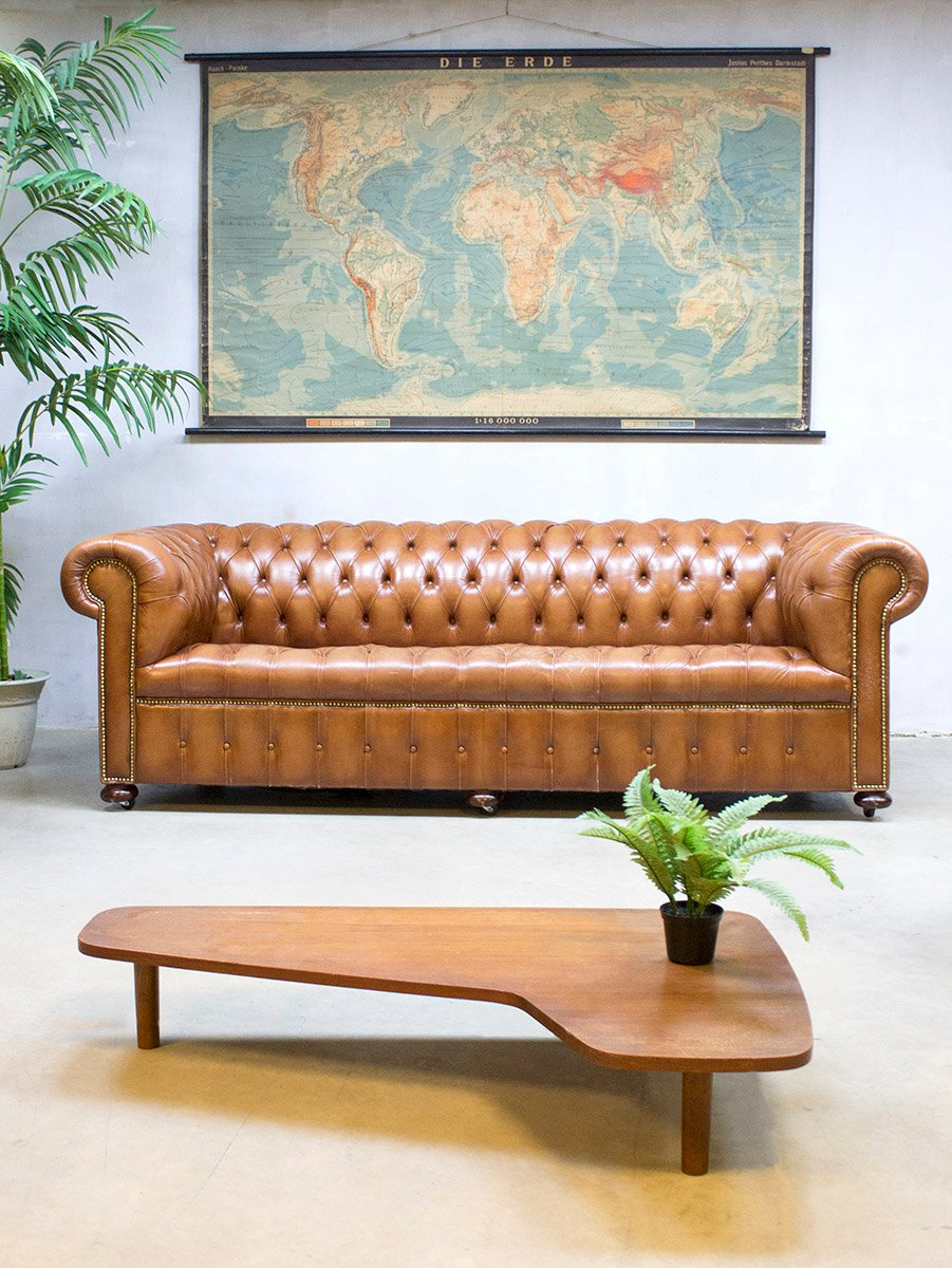 vintage leather chesterfield sofa for sale at pamono. Black Bedroom Furniture Sets. Home Design Ideas