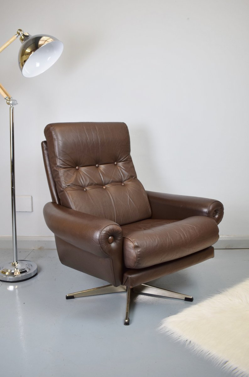 Danish mid century leather swivel lounge chair 1970s for for Swivel club chair leather