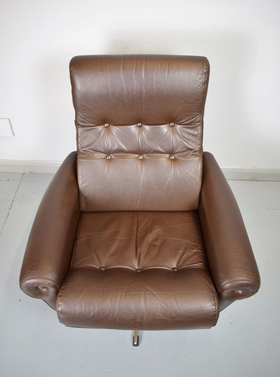 d nischer mid century leder drehsessel 1970er bei pamono. Black Bedroom Furniture Sets. Home Design Ideas