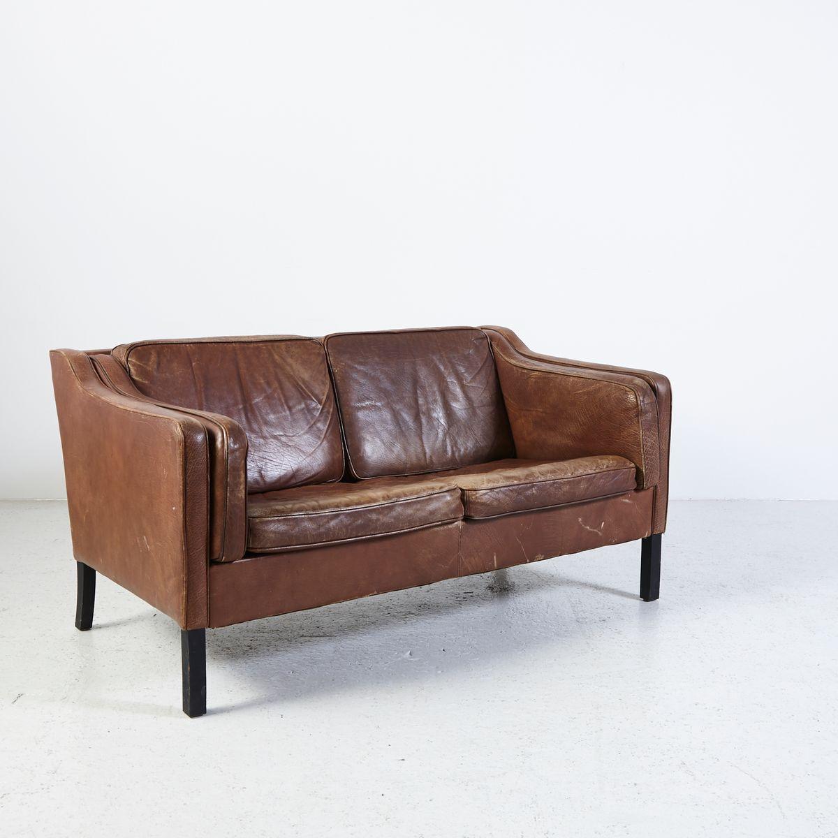 vintage zwei sitzer b ffelleder sofa bei pamono kaufen. Black Bedroom Furniture Sets. Home Design Ideas