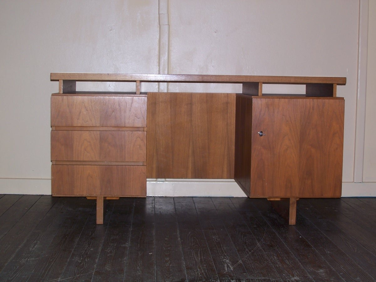 bureau vintage en bois en vente sur pamono. Black Bedroom Furniture Sets. Home Design Ideas