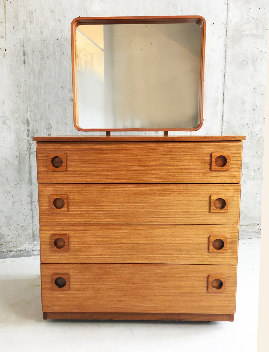 Commode tiroirs mid century avec miroir ajustable de for Commode antique avec miroir