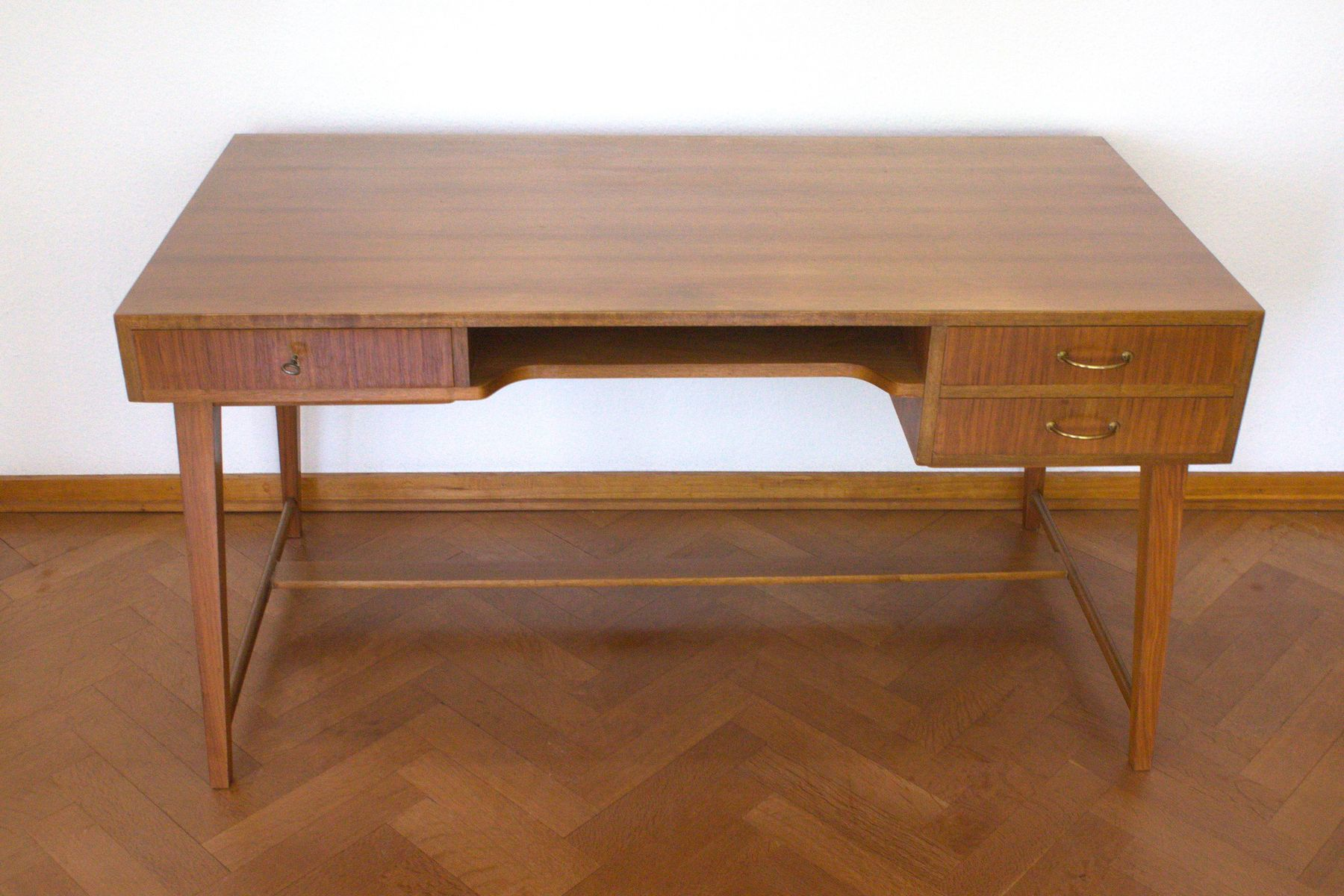 mid century nussholz schreibtisch von georg satink f r wk. Black Bedroom Furniture Sets. Home Design Ideas