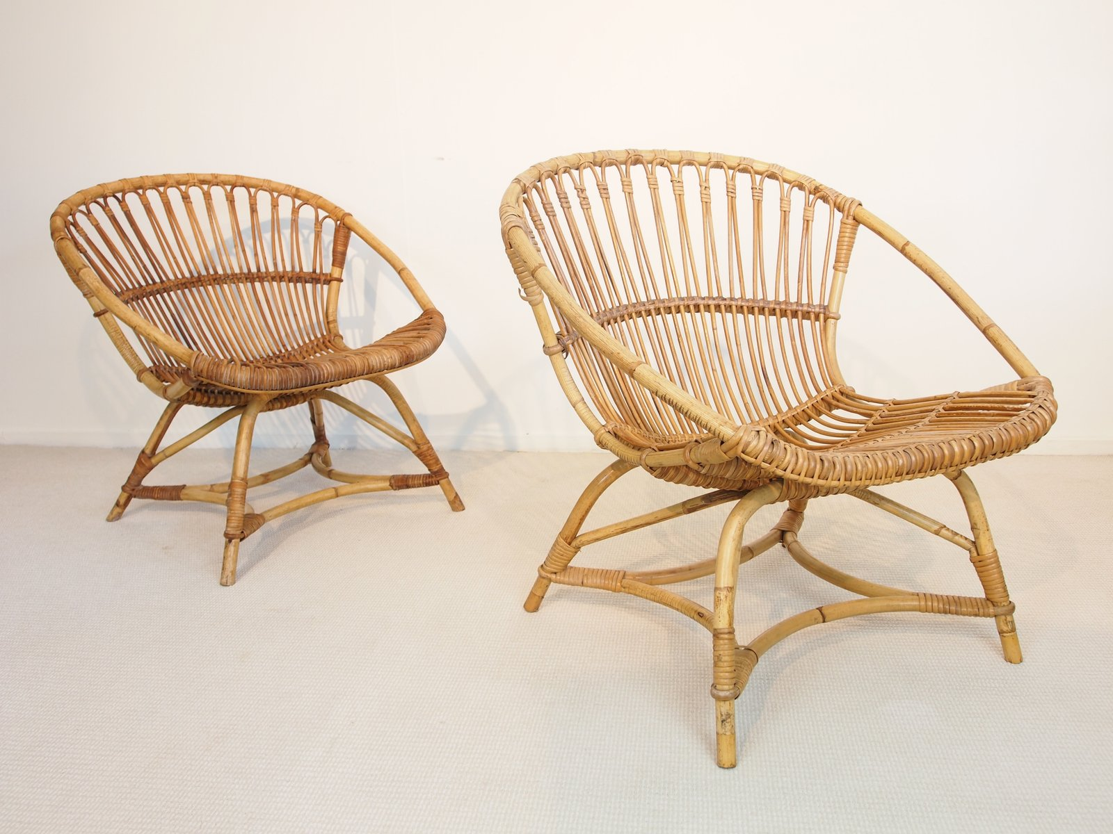mid century dutch rattan lounge chairs by dirk van sliedregt for gebroeders jonker 1949 set of. Black Bedroom Furniture Sets. Home Design Ideas
