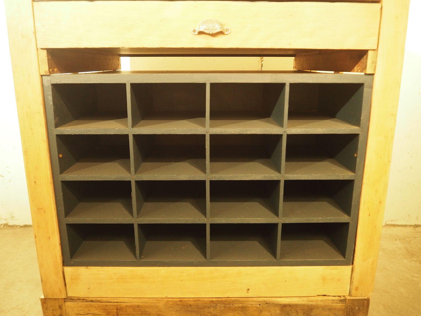 meuble d 39 imprimerie de deberny peignot 1930s en vente sur pamono. Black Bedroom Furniture Sets. Home Design Ideas