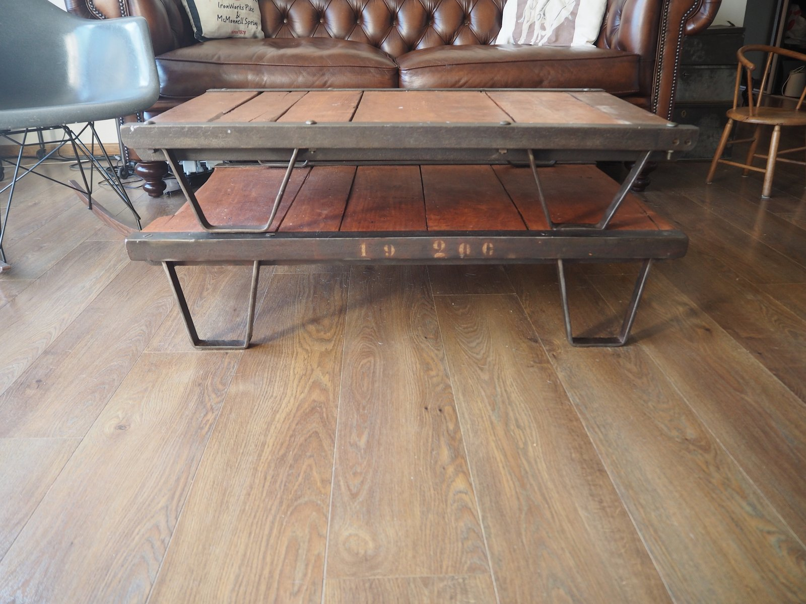 table basse industrielle palette france 1950s en vente sur pamono. Black Bedroom Furniture Sets. Home Design Ideas