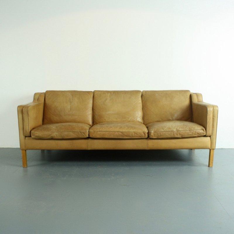 drei sitzer sofa aus hellbraunem leder von stouby bei pamono kaufen. Black Bedroom Furniture Sets. Home Design Ideas