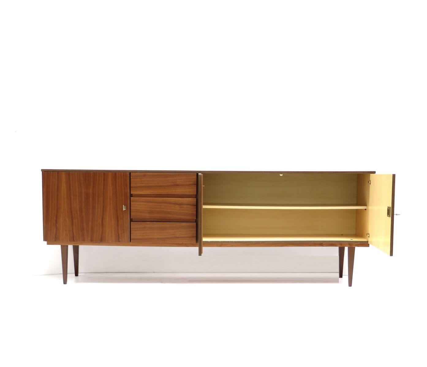 langes vintage sideboard mit drei schubladen und t ren. Black Bedroom Furniture Sets. Home Design Ideas