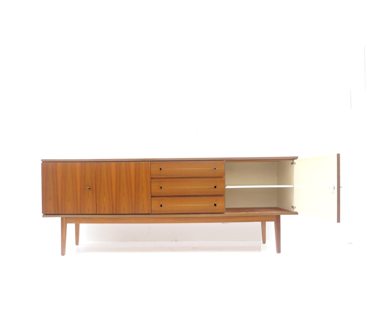 gro es mid century sideboard aus teak bei pamono kaufen. Black Bedroom Furniture Sets. Home Design Ideas