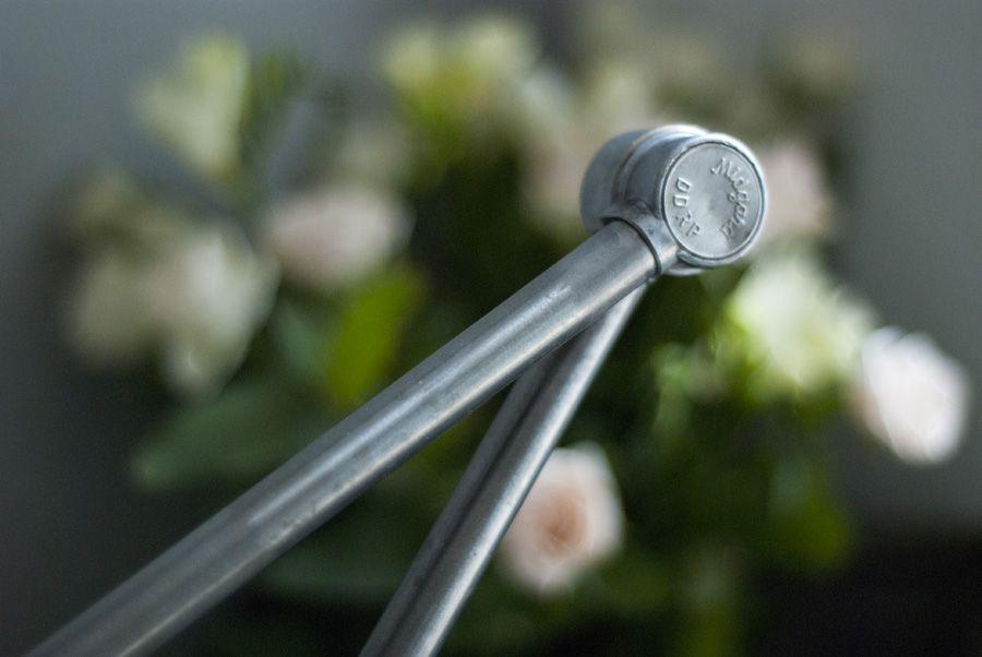 gro e vintage tischlampe mit aluminium schirm von curt. Black Bedroom Furniture Sets. Home Design Ideas