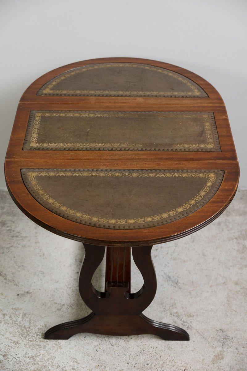 petite table d 39 appoint regency avec plateau pivotant. Black Bedroom Furniture Sets. Home Design Ideas