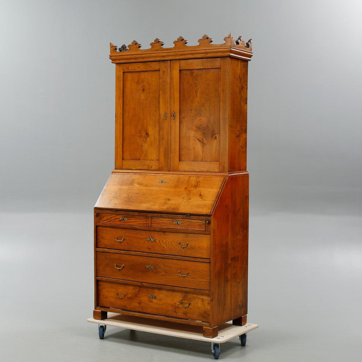 antiker d nischer sekret r mit kronen aufsatz bei pamono. Black Bedroom Furniture Sets. Home Design Ideas