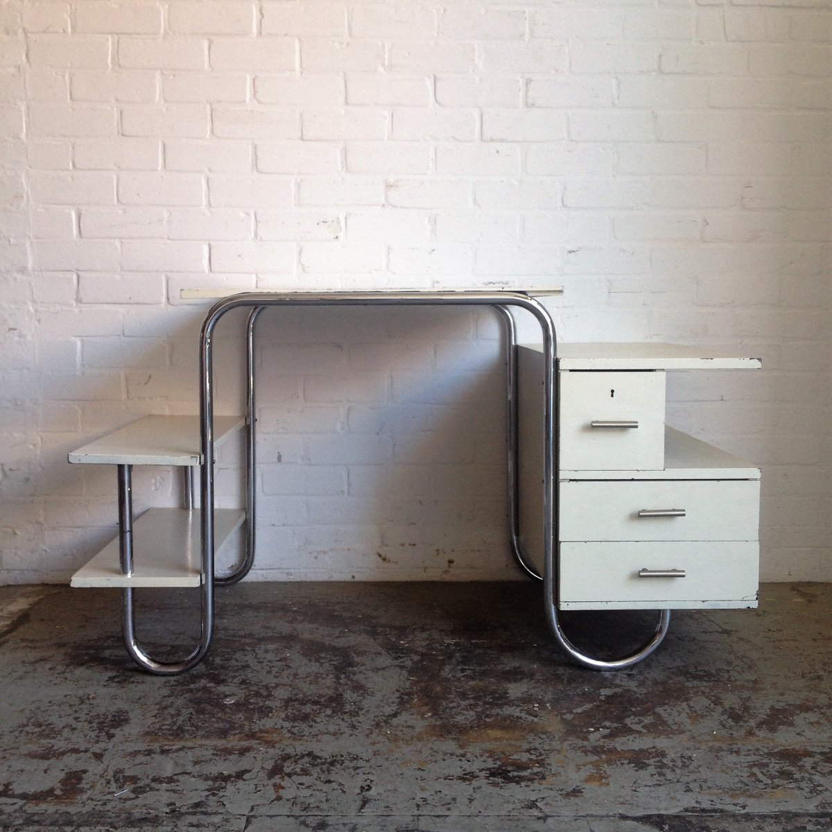 vintage tubular steel bauhaus desk 1930s for sale at pamono. Black Bedroom Furniture Sets. Home Design Ideas