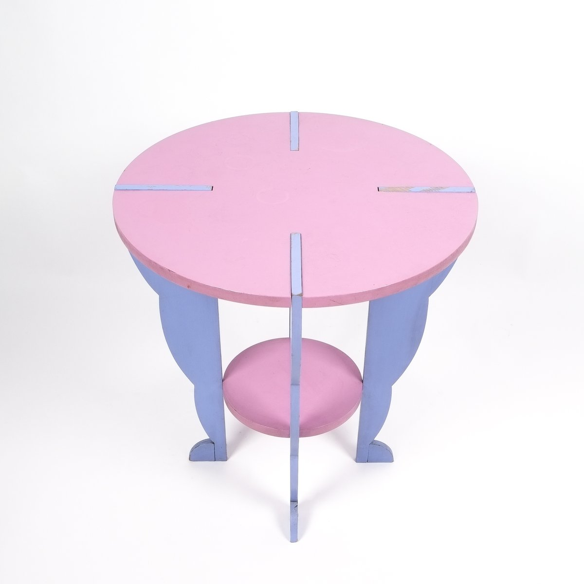 Postmodern flessuosa series side table by ugo la pietra for Serie a table 99 00