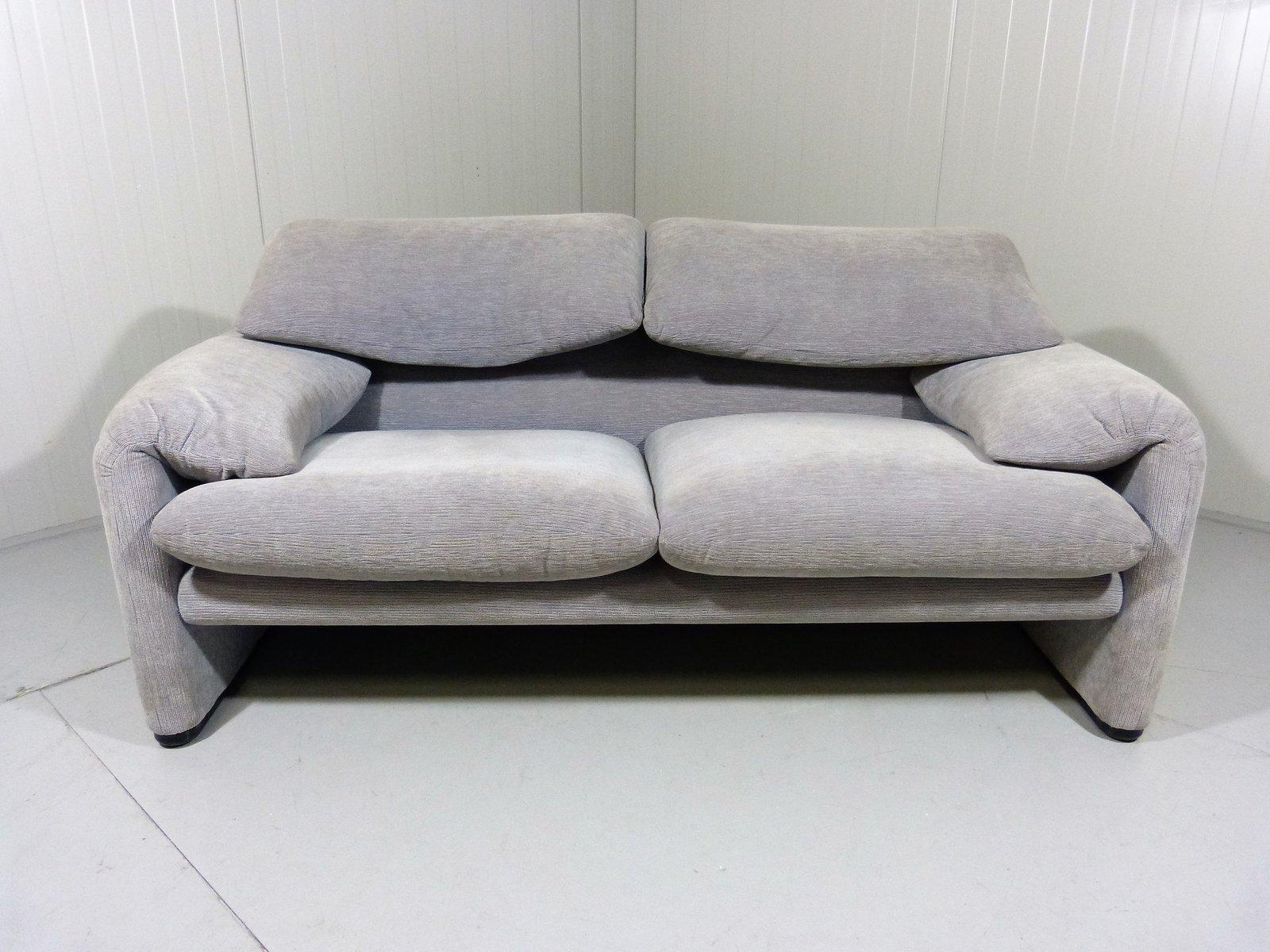 canap 2 places vintage maralunga par vico magistretti. Black Bedroom Furniture Sets. Home Design Ideas