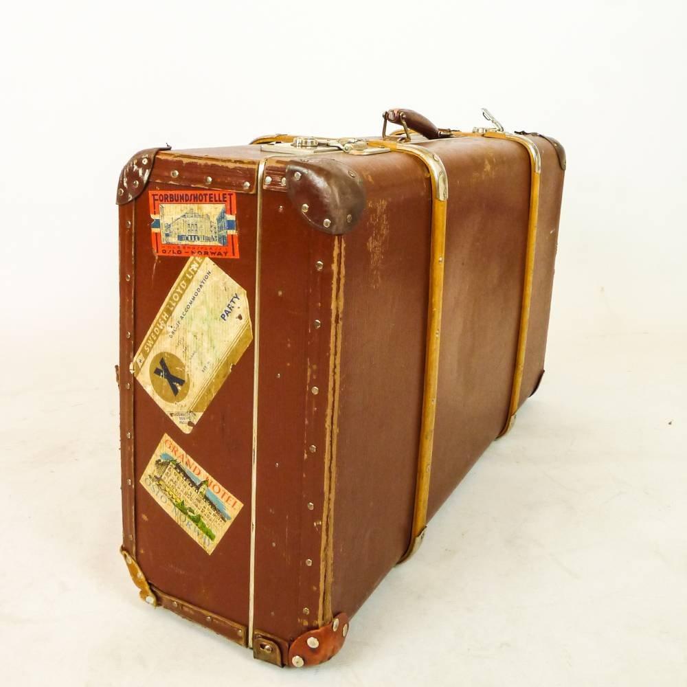 swedish vintage suitcase for sale at pamono. Black Bedroom Furniture Sets. Home Design Ideas