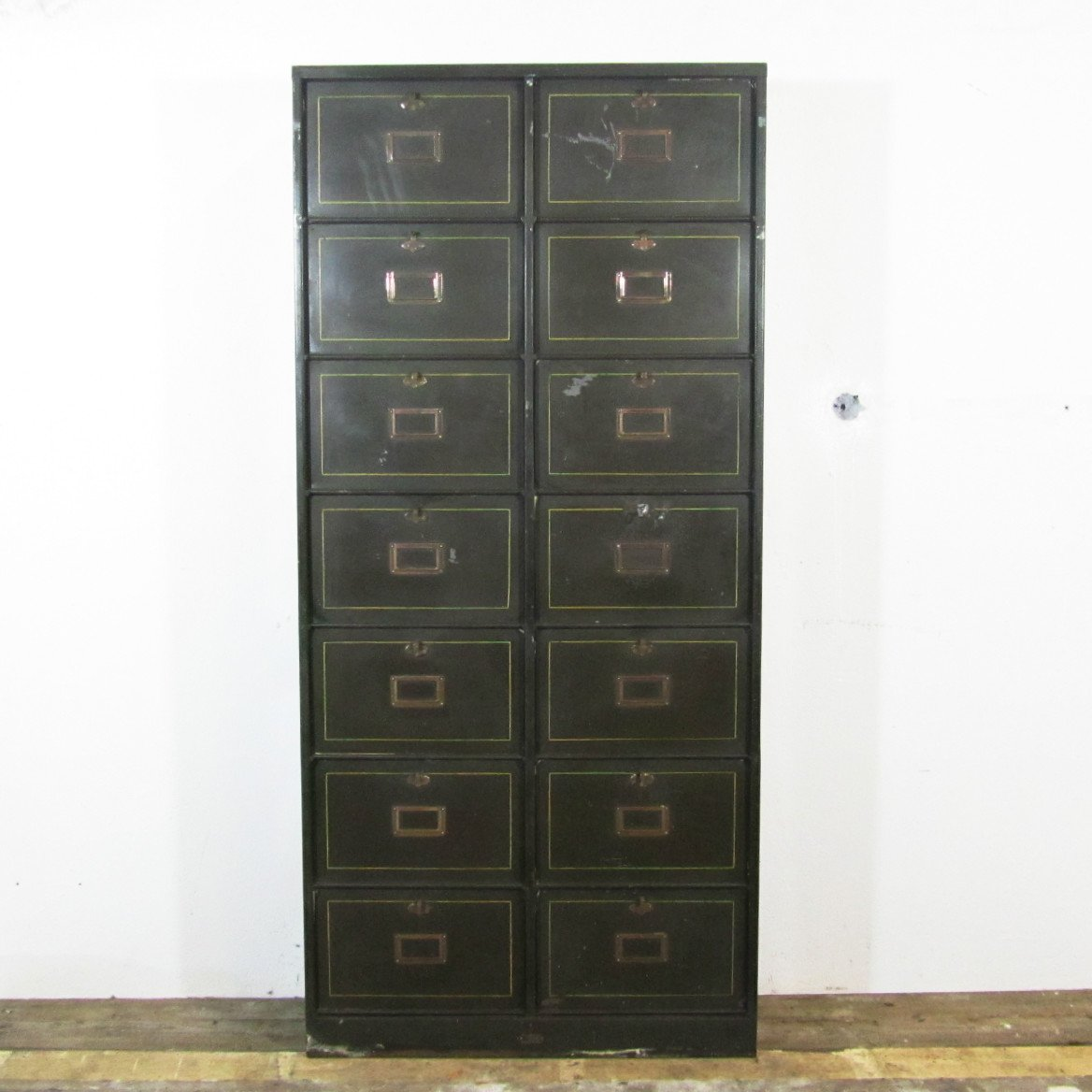 schrank mit f chern von morgan 1940er bei pamono kaufen. Black Bedroom Furniture Sets. Home Design Ideas