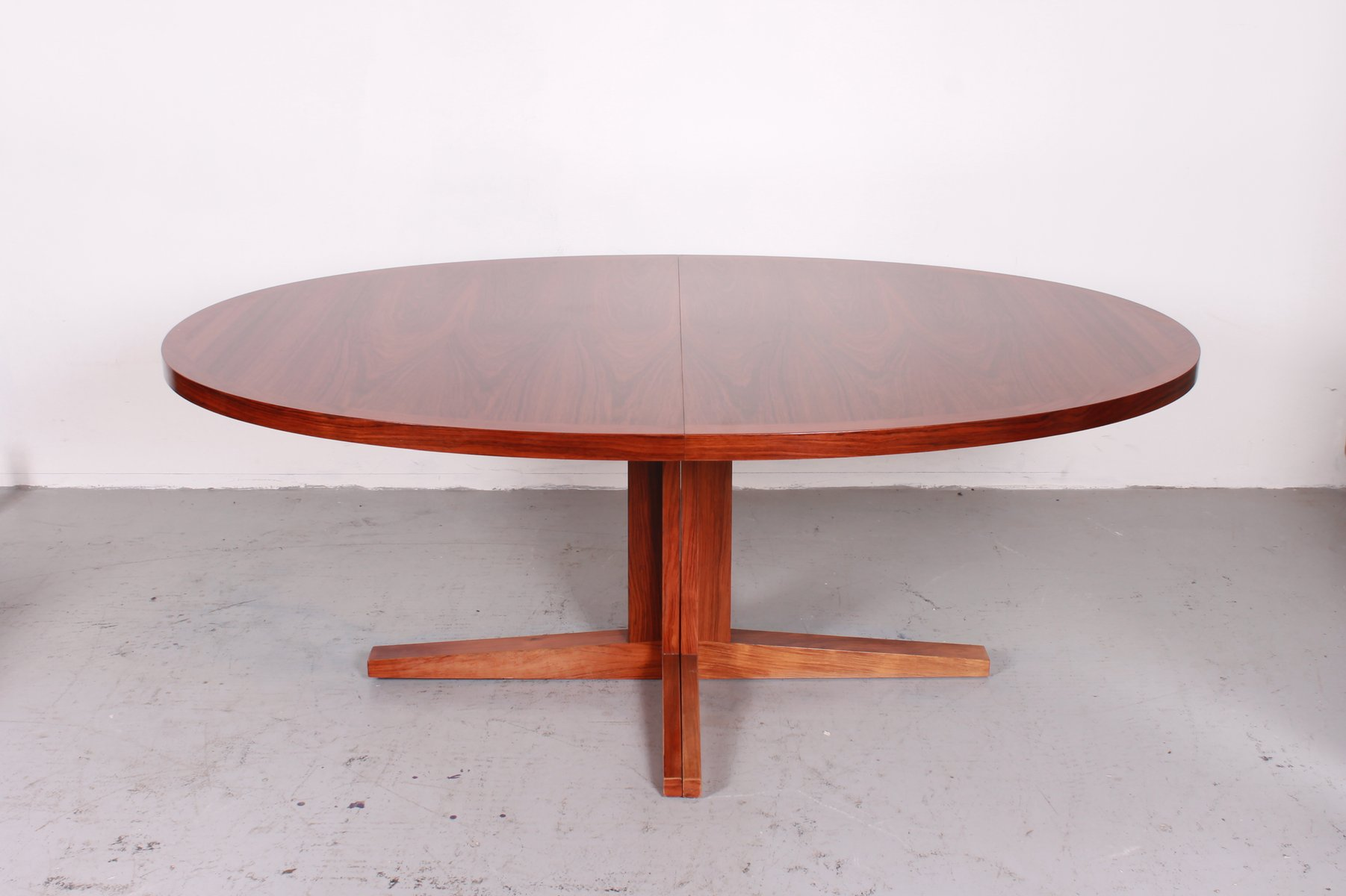 Vintage extensible dining table from dyrlund for sale at for Table 70x70 extensible